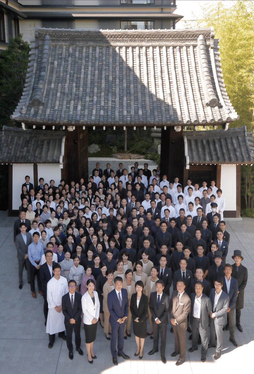 「素晴らしいメンバーが集まってくれました」と楠井氏が胸を張るホテルチーム